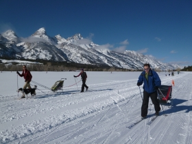 families-skiing-grand-teton