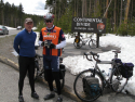 cyclists-yellowstone-continental-divide