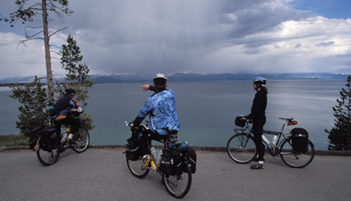 Yellowstone-lake-bikes